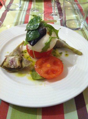 Restaurant Le Cise: Mozarella / artichauts violets confits