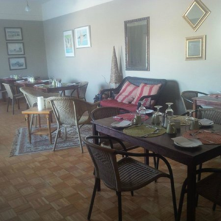 Centre de sante Euro-spa : Salle à manger en robe de chambre ou en pyjama.