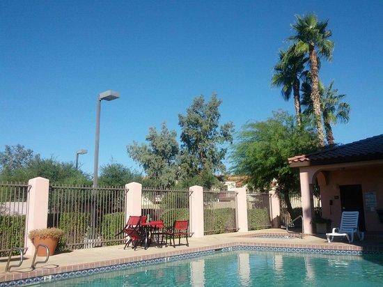 Baymont Inn & Suites Tempe Phoenix Airport: Sunny AZ
