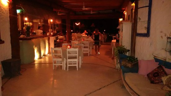Mandarina Seaside Restaurant by Casa Las Tortugas: Entrance to restaurant