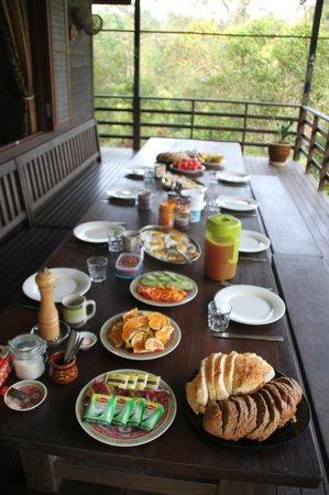 Kurakura Homestay: Excellent meals