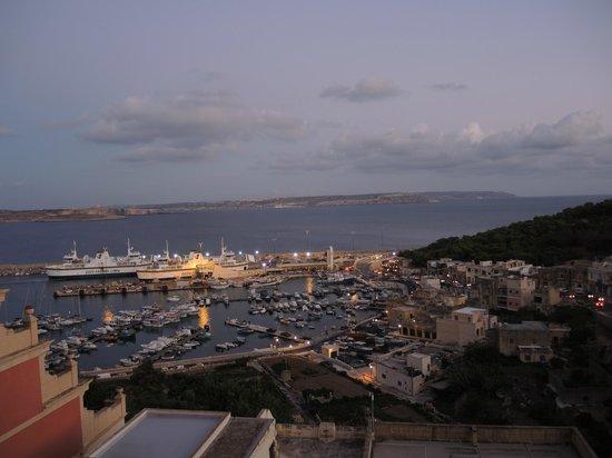Grand Hotel Gozo: Blick vom Balkon am Abend