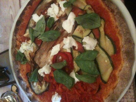 Osteria Pizzeria Margherita: Pizza ortolana con impasto integrale