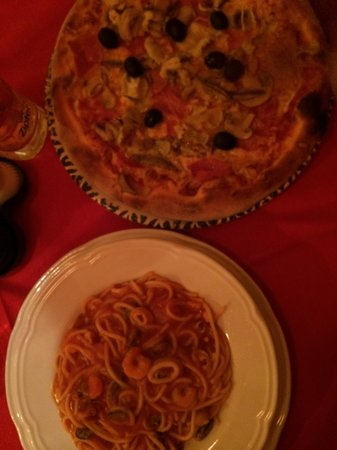 Pizzeria Bella Milano: Nice pizza but spaghetti too salty!