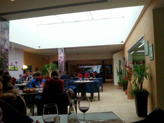 Trattoria da Santoni: la sala