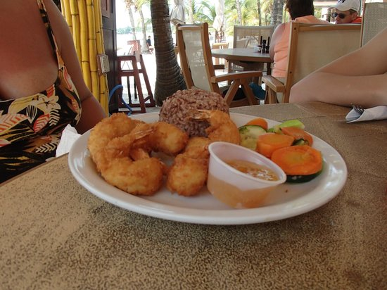 Infinity Bay Spa and Beach Resort: CoCo Shrimp!!