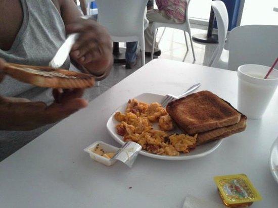 One Playa Del Carmen: Una probadita del buffete matutino