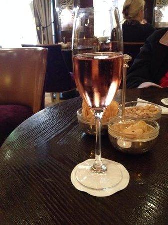 Hotel Vier Jahreszeiten Kempinski Munchen: Apero