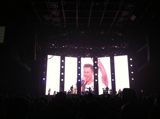 MGM Grand Hotel and Casino : Floor Seats Rock at Maroon 5 NYE