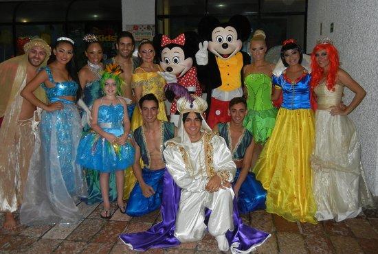 El Cid El Moro Beach Hotel: Dancers