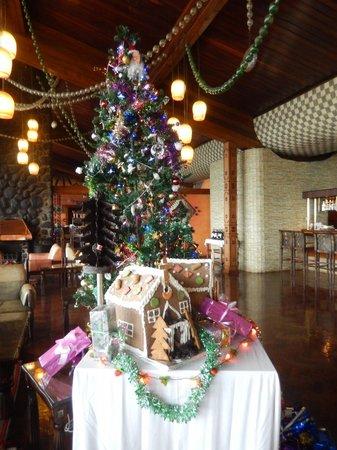 Ngorongoro Wildlife Lodge : Hotel Lobby, Christmas Day