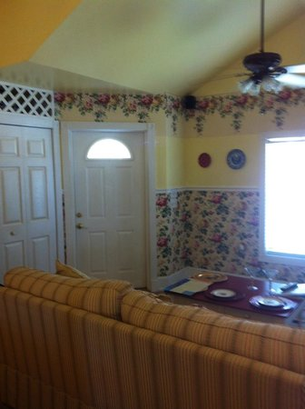 Shamrock Thistle & Crown Bed and Breakfast : Inside our cottage