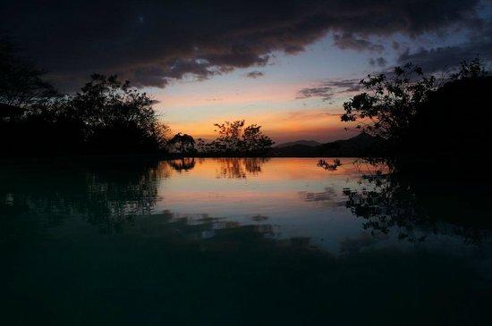 Panacea de la Montana Yoga Retreat & Spa: evening colors