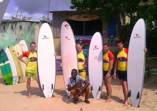 Mr Brights Surf School: Happy surfers