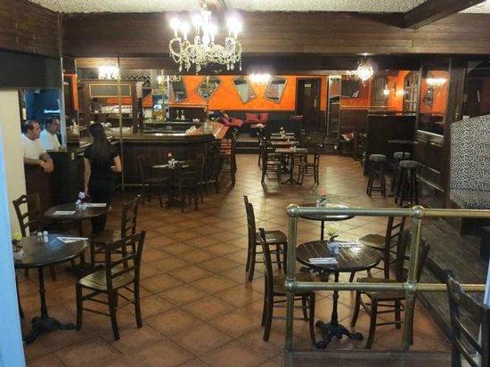 L'Chaim Kosher Restaurant: Indoor