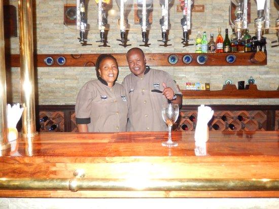 Ngorongoro Wildlife Lodge: Friendly Bartenders, Good Drinks