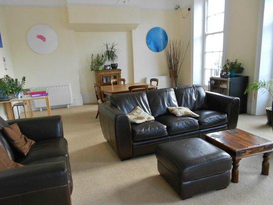 B+B Weymouth: Communal lounge