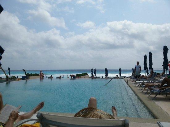 Secrets The Vine Cancun: Poolbereich