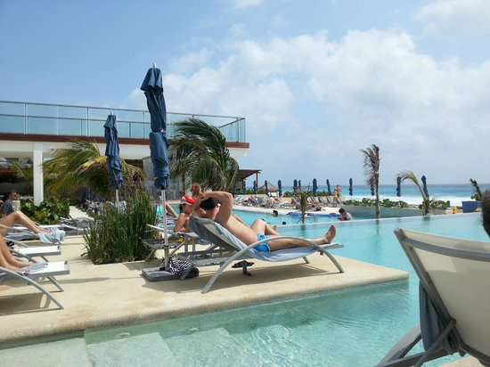 Secrets The Vine Cancun : Poolbereich