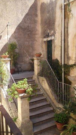 Palazzo Il Cavaliere : 部屋から