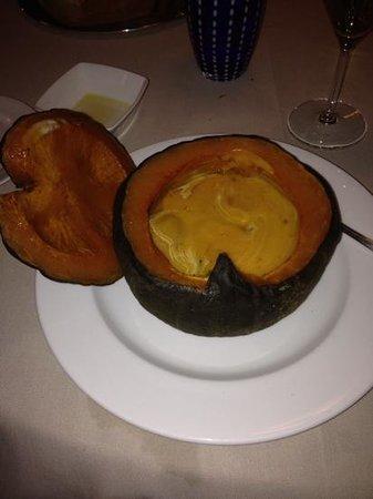 Ristorante Albergo Dolada : crema alla zucca nella zucca