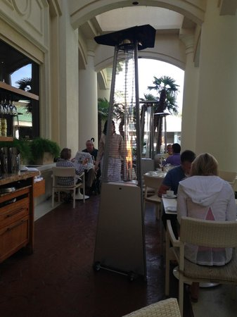 Four Seasons Hotel Las Vegas: Breakfast on veranda with heater (was slightly chilly out)
