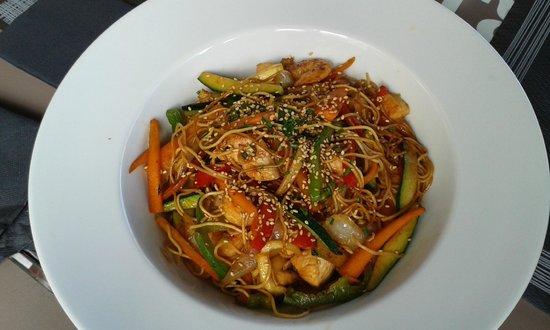 Charlotte Gastrobar & Café: wok