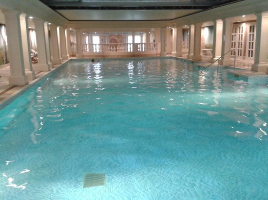 Eastwell Manor : Huge pool in fantastic spa