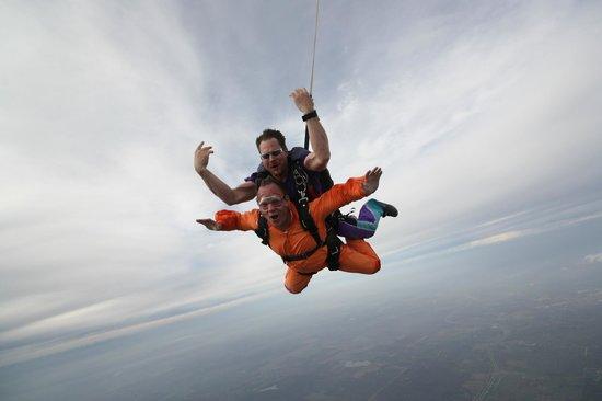 Skydive San Marcos: Flying Along