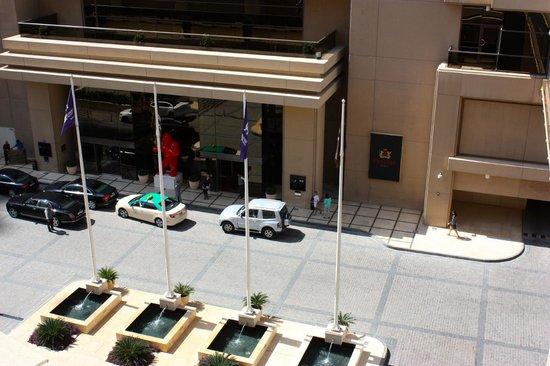Grosvenor House Dubai: Entrance