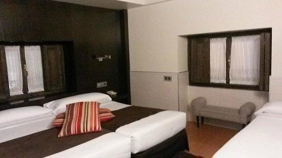 Hotel Francisco I: habitación