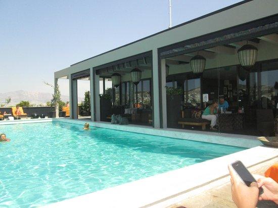 President Hotel: rooftop pool