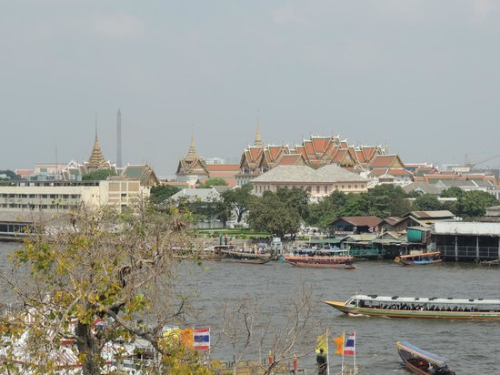 Templo del Amanecer (Wat Arun): Views across river
