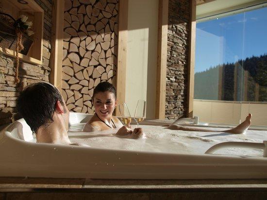 Waldhotel am Notschrei: Whirlpool mit Panoramablick