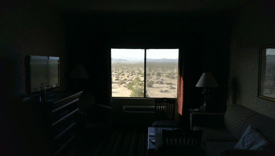 Holiday Inn Express & Suites Barstow-Outlet Center : Room view outside window