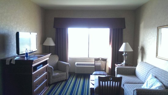 Holiday Inn Express & Suites Barstow-Outlet Center : Room view inside