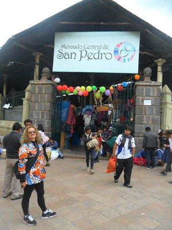 Mercado Central de San Pedro : Mercado de San Pedro - Roupas e Souvenirs a bom preço
