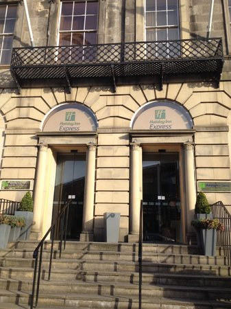 Holiday Inn Express - Edinburgh City Centre : Entrada