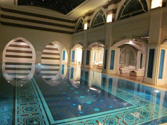 Hotel entrance picture of jumeirah zabeel saray dubai for Pool and spa show dubai
