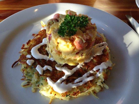 Eladios: Egg and Salmon Scramble