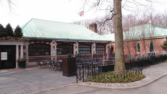 The Loeb Boathouse at Central Park : The Loeb Boathouse