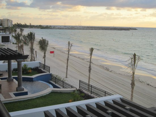 Grand Residences Riviera Cancun : Right on the beach....