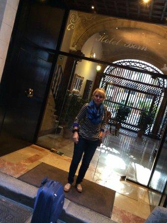 Hotel Born : Entrance