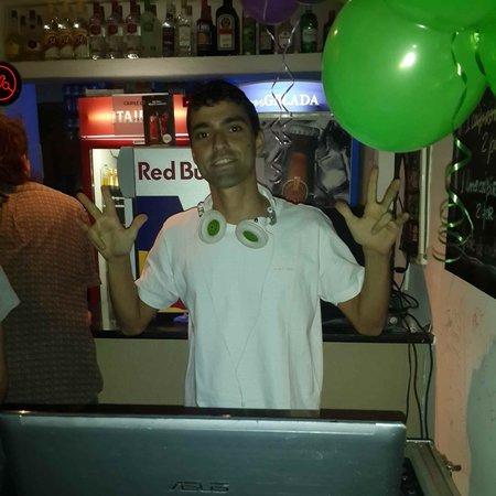 Samba Palace Hostel: dj samba