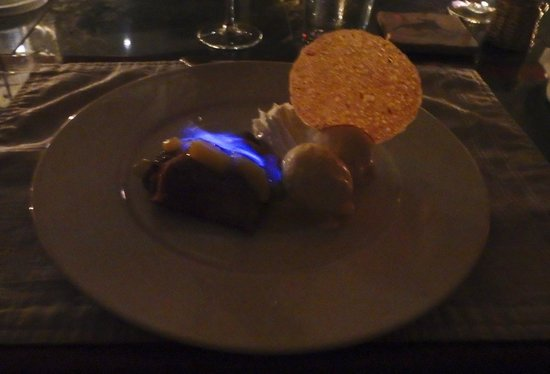 2 Fools and a Bull: Crepe Suzette Dessert, Two Fools and a Bull, Aruba
