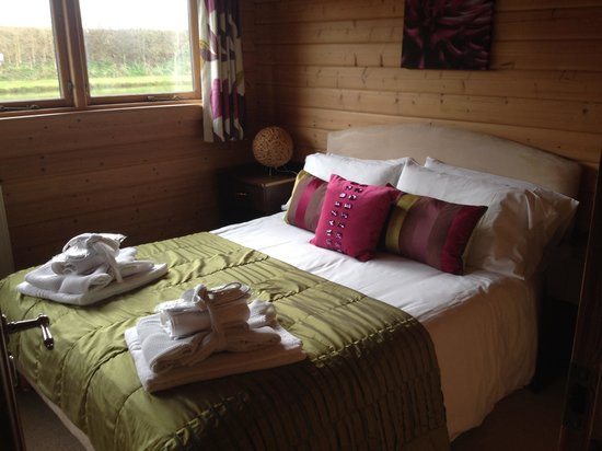 Dacre Lakeside Park: Double room in lodge 4
