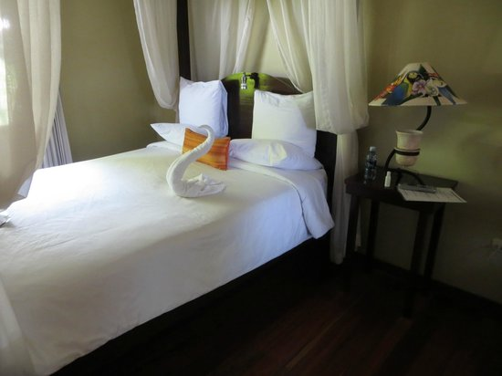 Manatus Hotel : The bedroom