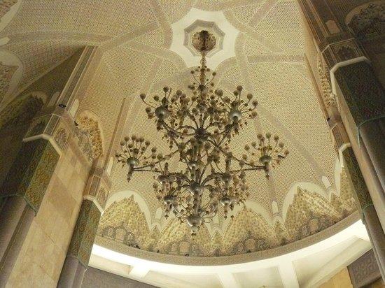 Mosquée Hassan II : il lampadario di Murano