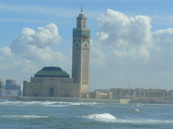 Mosquée Hassan II : la Moschea vista da lontano