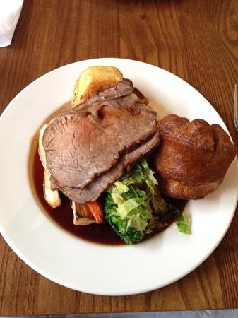 The Canonbury Bar & Restaurant: Roast Beef on a very small plate